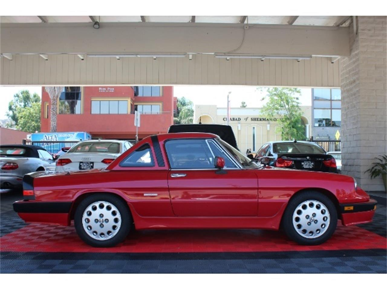 Large Picture of 1988 Spider Quadrifoglio Offered by Monza Car - PFQ8