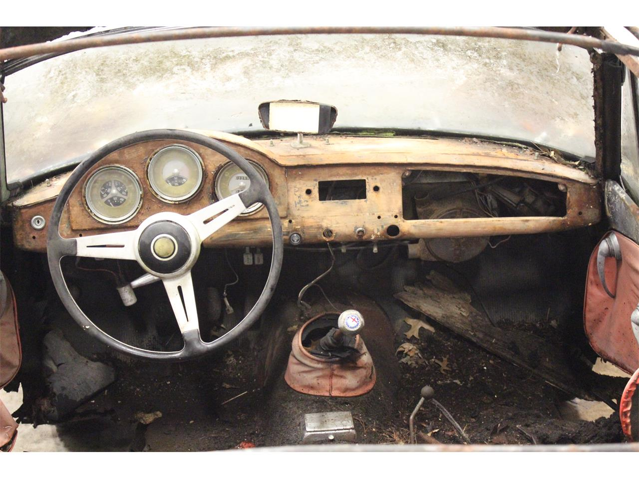 Large Picture of Classic '63 Alfa Romeo Giulietta Spider - $14,950.00 Offered by MB Vintage Cars Inc - PFS7