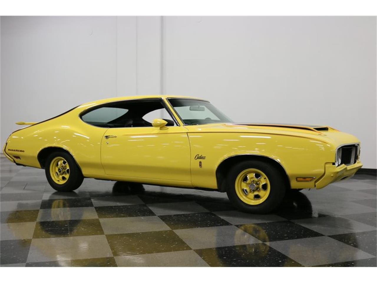 Large Picture of '70 Oldsmobile Cutlass located in Texas Offered by Streetside Classics - Dallas / Fort Worth - PFUG