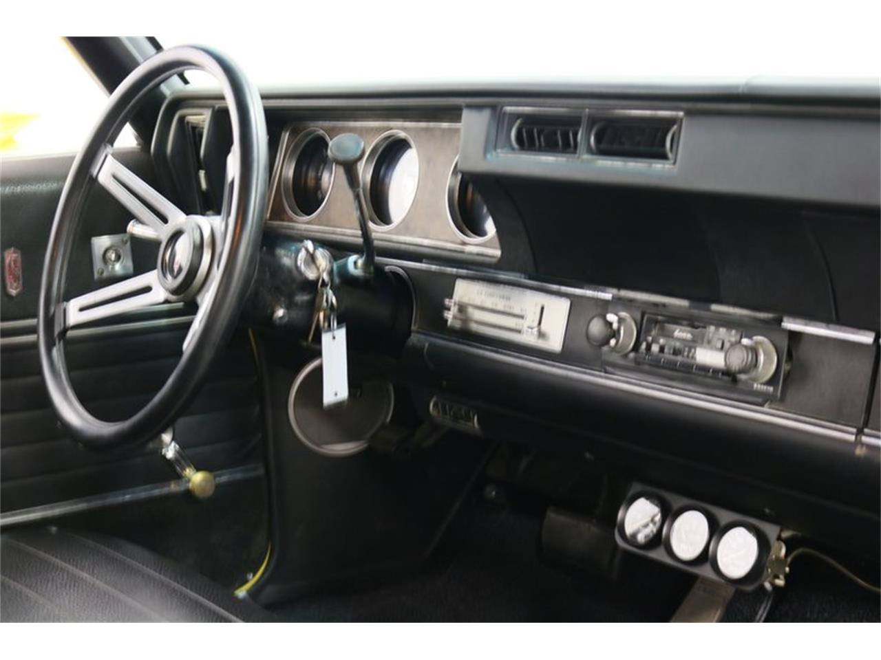 Large Picture of '70 Oldsmobile Cutlass - PFUG