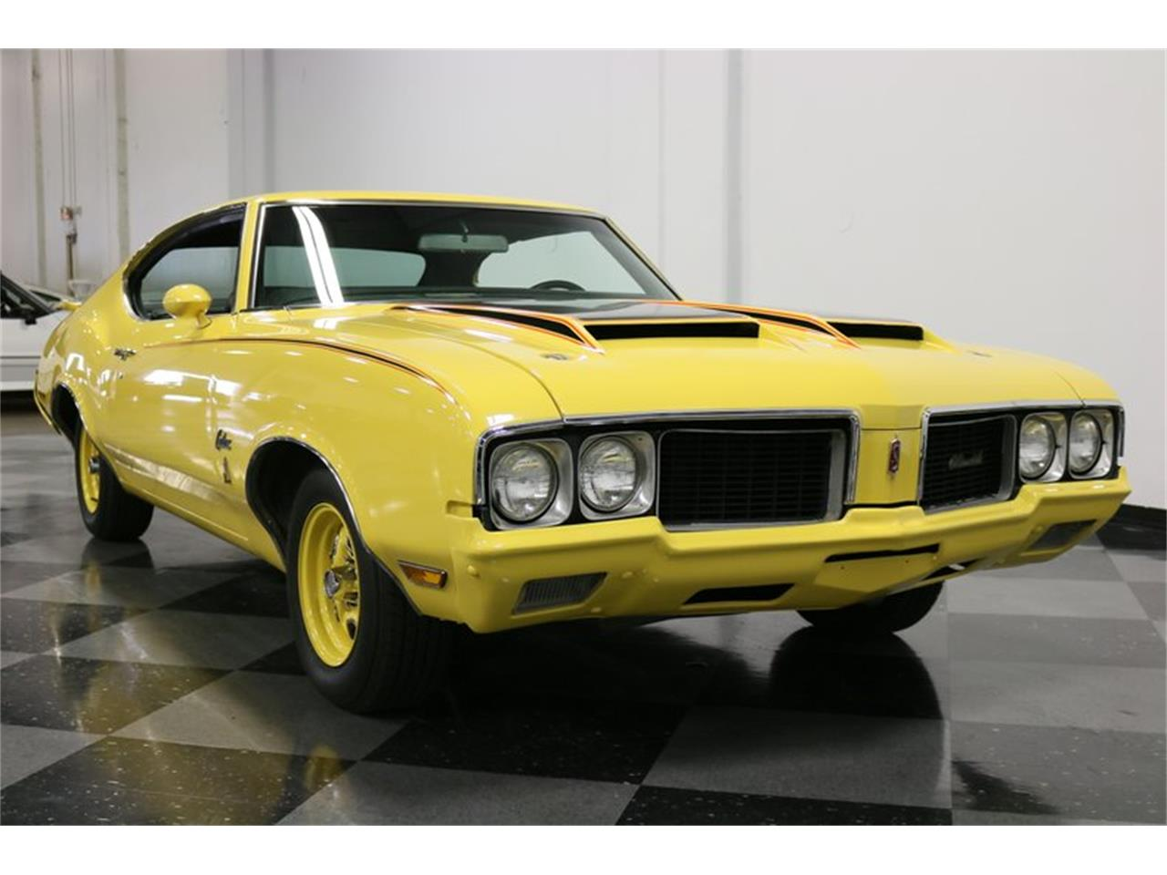 Large Picture of Classic '70 Oldsmobile Cutlass located in Ft Worth Texas Offered by Streetside Classics - Dallas / Fort Worth - PFUG