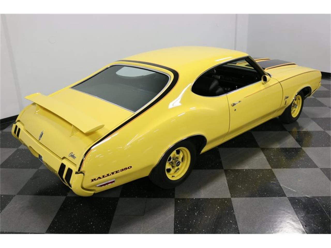 Large Picture of '70 Cutlass Offered by Streetside Classics - Dallas / Fort Worth - PFUG