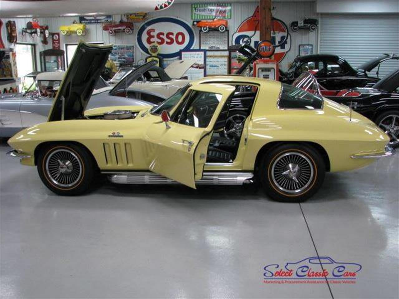 Large Picture of '66 Corvette - PGQW