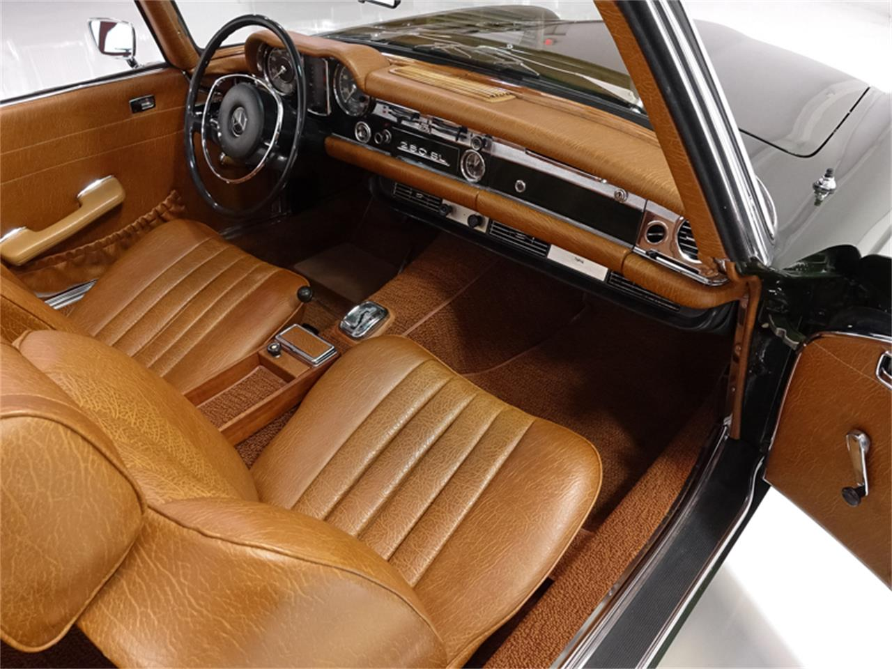 Large Picture of '71 Mercedes-Benz 280SL located in St. Louis Missouri - PGT6