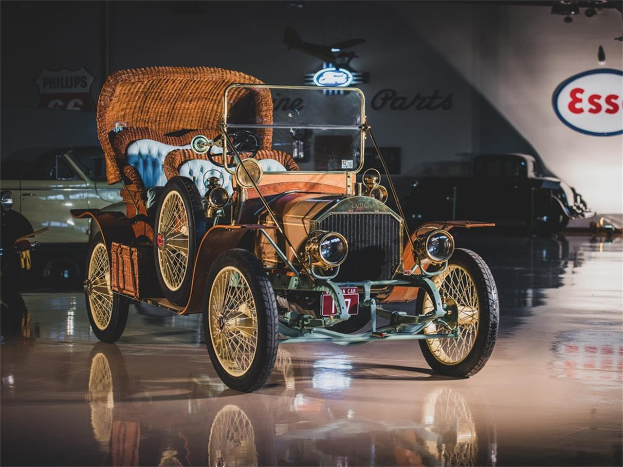 Large Picture of '11 15 HP Victoria Auction Vehicle Offered by RM Sotheby's - PGU7