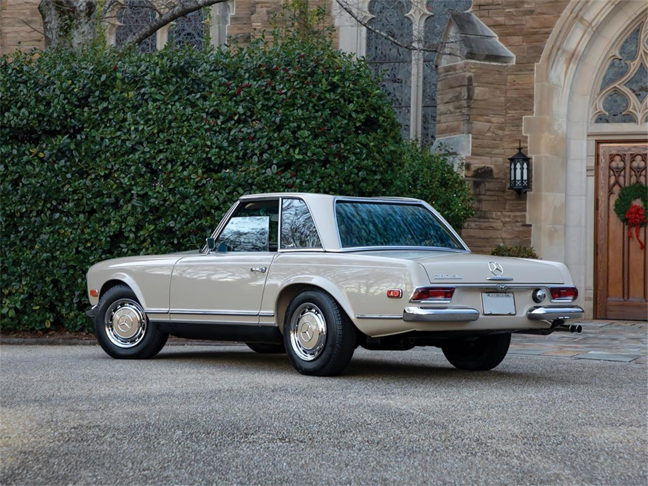 Large Picture of 1968 Mercedes-Benz 280SL Auction Vehicle Offered by RM Sotheby's - PGUM