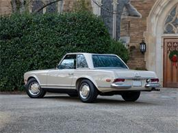 Picture of Classic '68 280SL located in Amelia Island Florida - PGUM