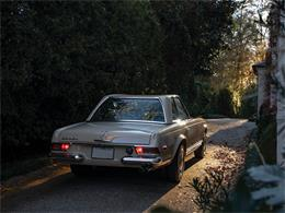Picture of 1968 Mercedes-Benz 280SL located in Amelia Island Florida Auction Vehicle Offered by RM Sotheby's - PGUM