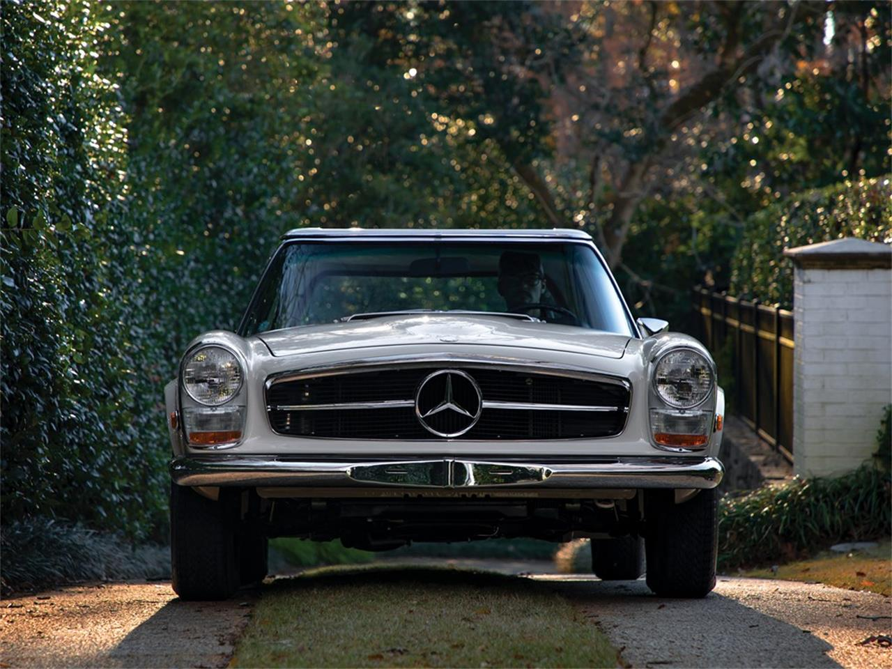 Large Picture of Classic 1968 280SL Offered by RM Sotheby's - PGUM
