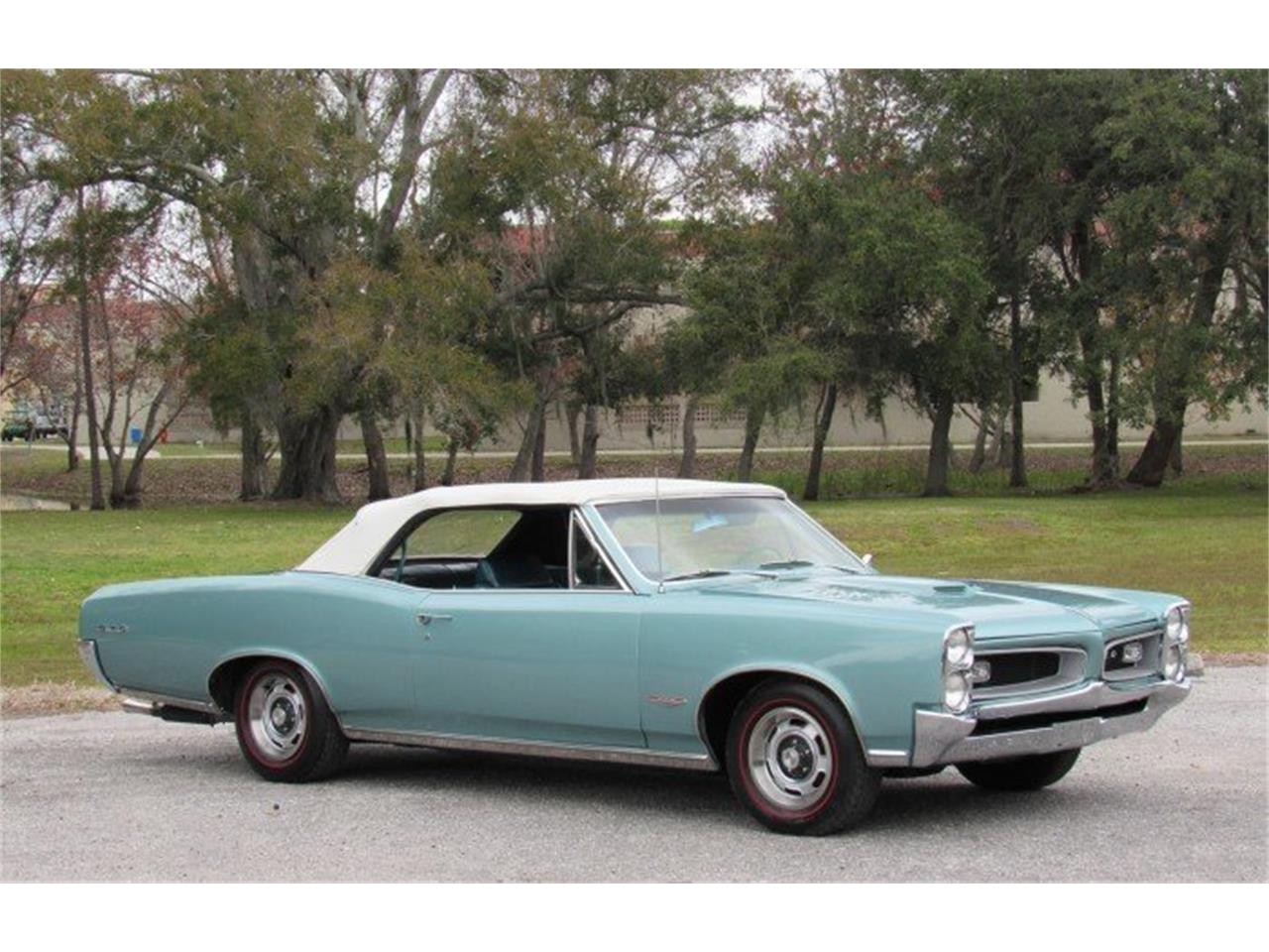 Large Picture of Classic 1966 Pontiac GTO located in Florida Auction Vehicle - PH0Z