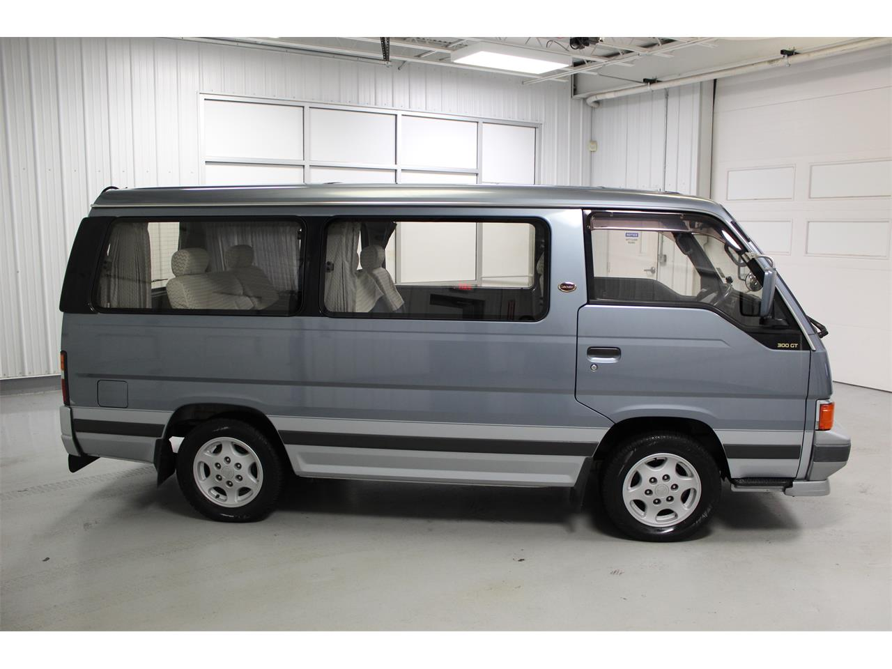 Large Picture of 1990 Caravan - $11,965.00 - PH22