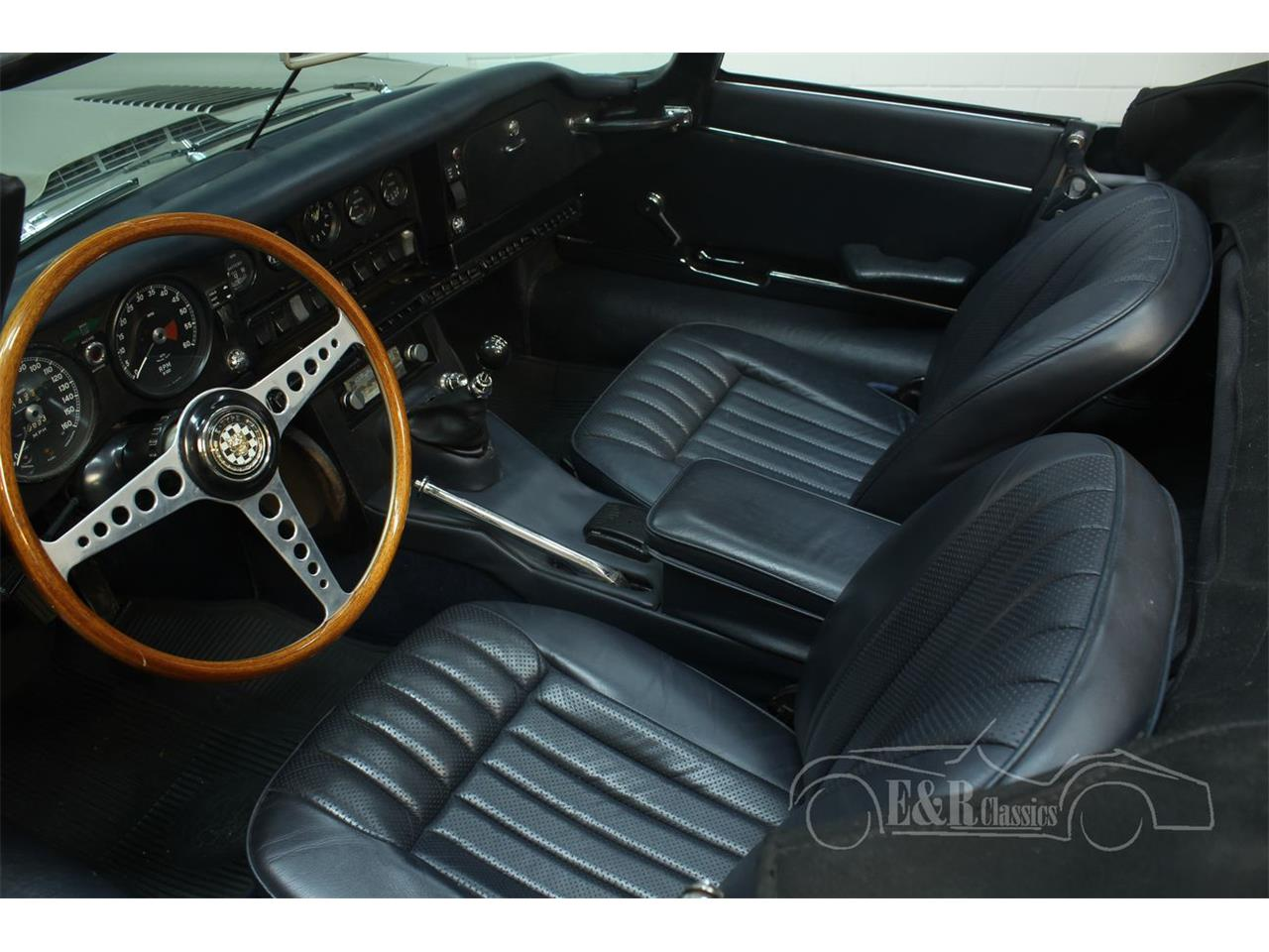 Large Picture of Classic 1970 E-Type - PH40