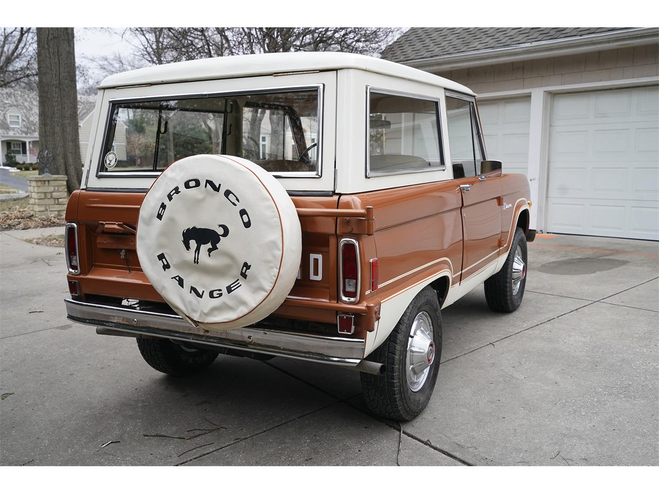 Large Picture of 1977 Ford Bronco located in Overland Park Kansas Auction Vehicle Offered by Vernon Estes Classics - PH45
