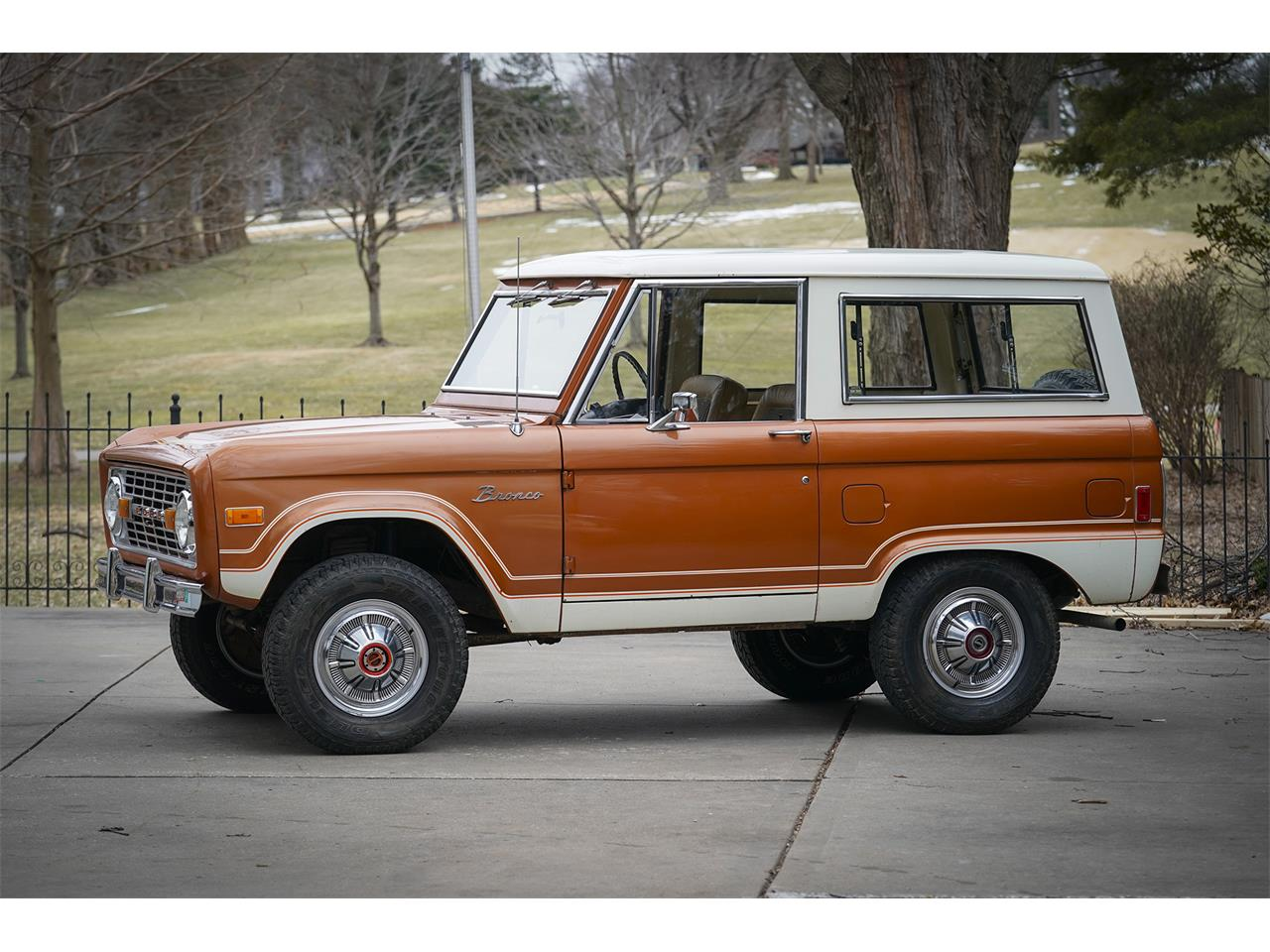 Large Picture of 1977 Ford Bronco located in Kansas Auction Vehicle Offered by Vernon Estes Classics - PH45