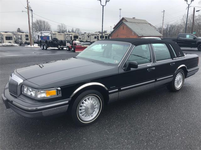 Picture of '97 Lincoln Town Car located in Pennsylvania - PH5X