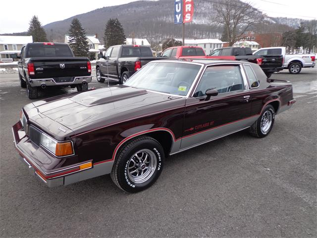Picture of 1988 Oldsmobile Cutlass Supreme located in MILL HALL Pennsylvania Auction Vehicle Offered by  - PH5Z