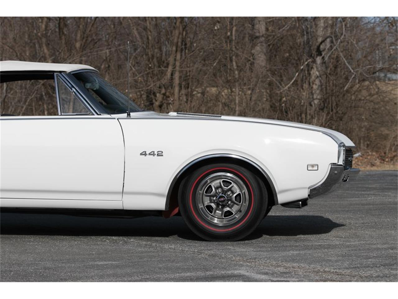 Large Picture of Classic 1968 Oldsmobile 442 located in St. Charles Missouri - PH8S