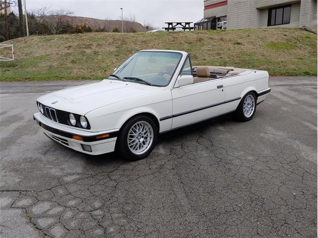 Picture of 1992 BMW 325 located in Tennessee - PHM4