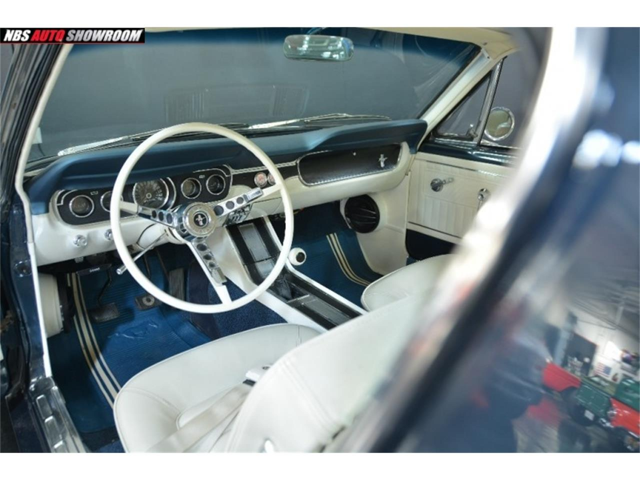 Large Picture of Classic '65 Ford Mustang located in Milpitas California - PHR5