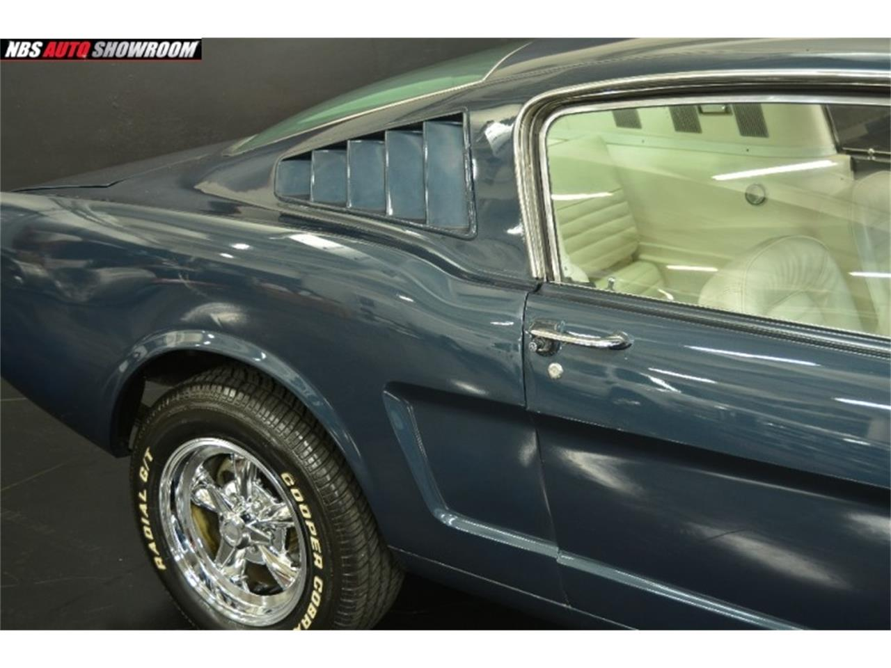 Large Picture of '65 Mustang located in California - PHR5