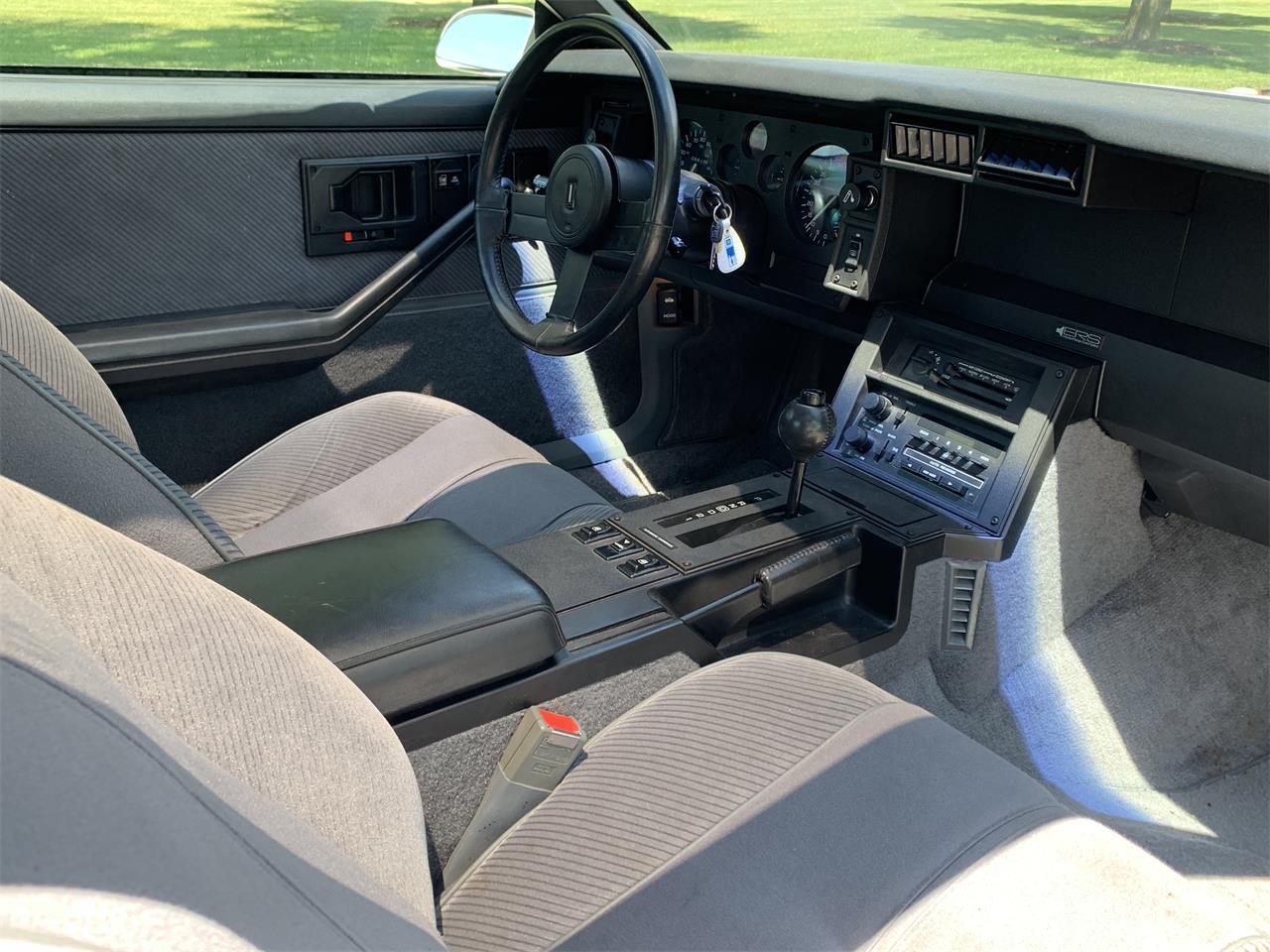 Large Picture of '86 Camaro IROC Z28 - PHU3