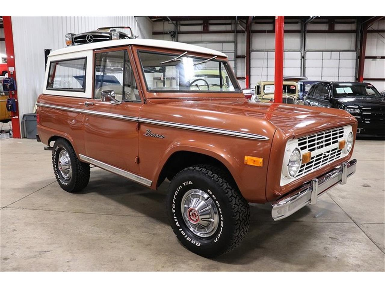 Large Picture of '77 Bronco located in Kentwood Michigan Offered by GR Auto Gallery - PHUG