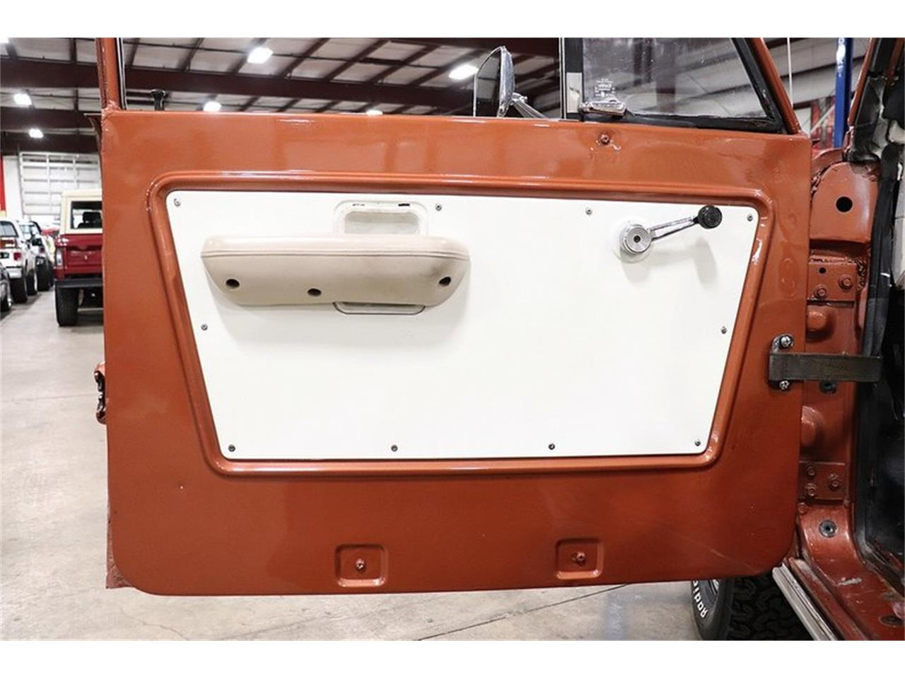 Large Picture of '77 Ford Bronco located in Michigan Offered by GR Auto Gallery - PHUG