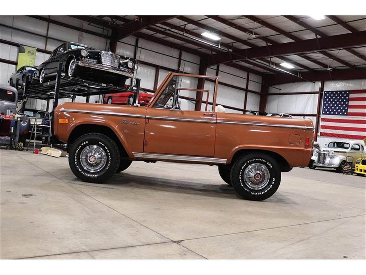 Large Picture of 1977 Bronco located in Kentwood Michigan Offered by GR Auto Gallery - PHUG