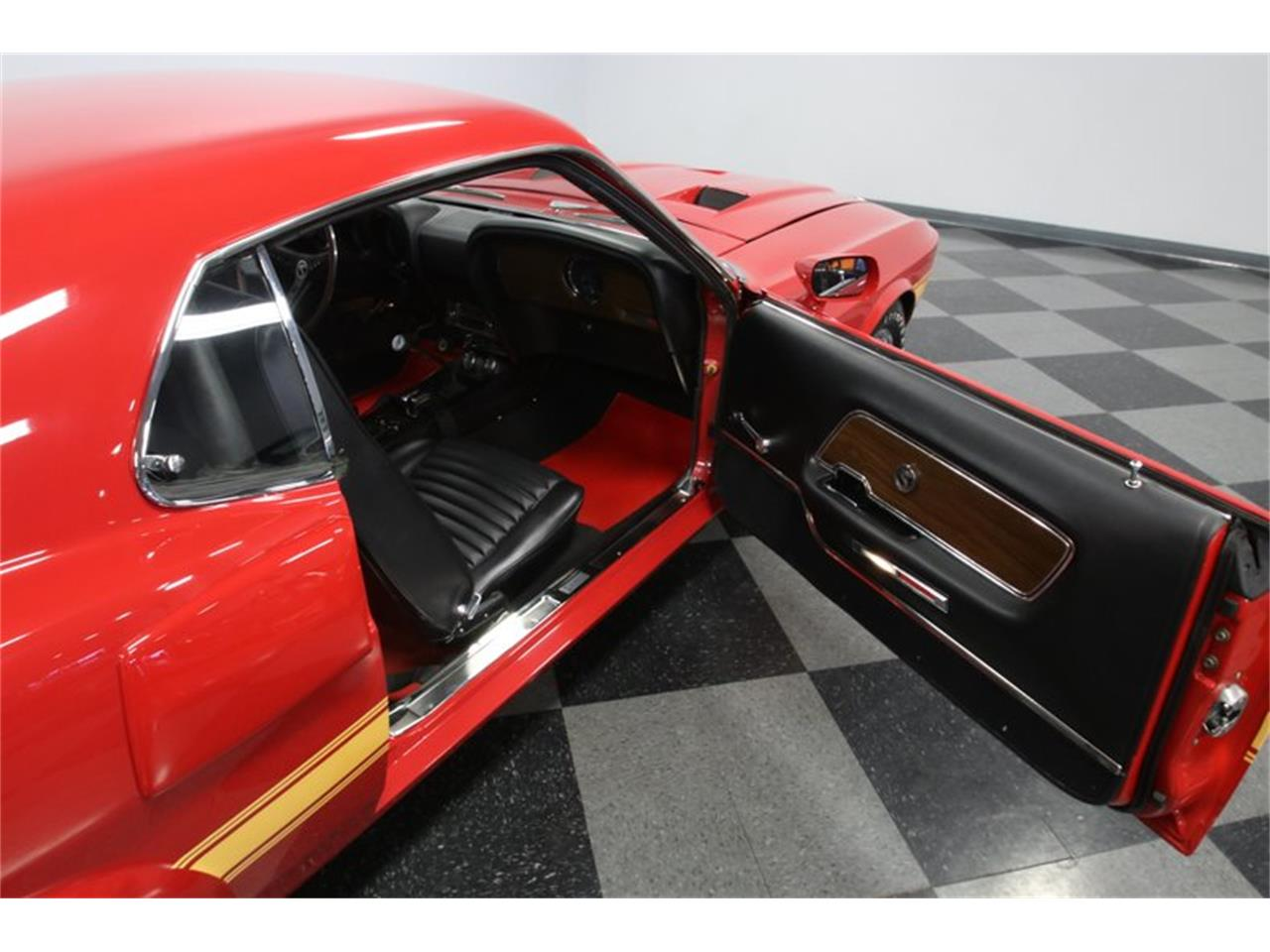 Large Picture of Classic 1969 Mustang - PHUN