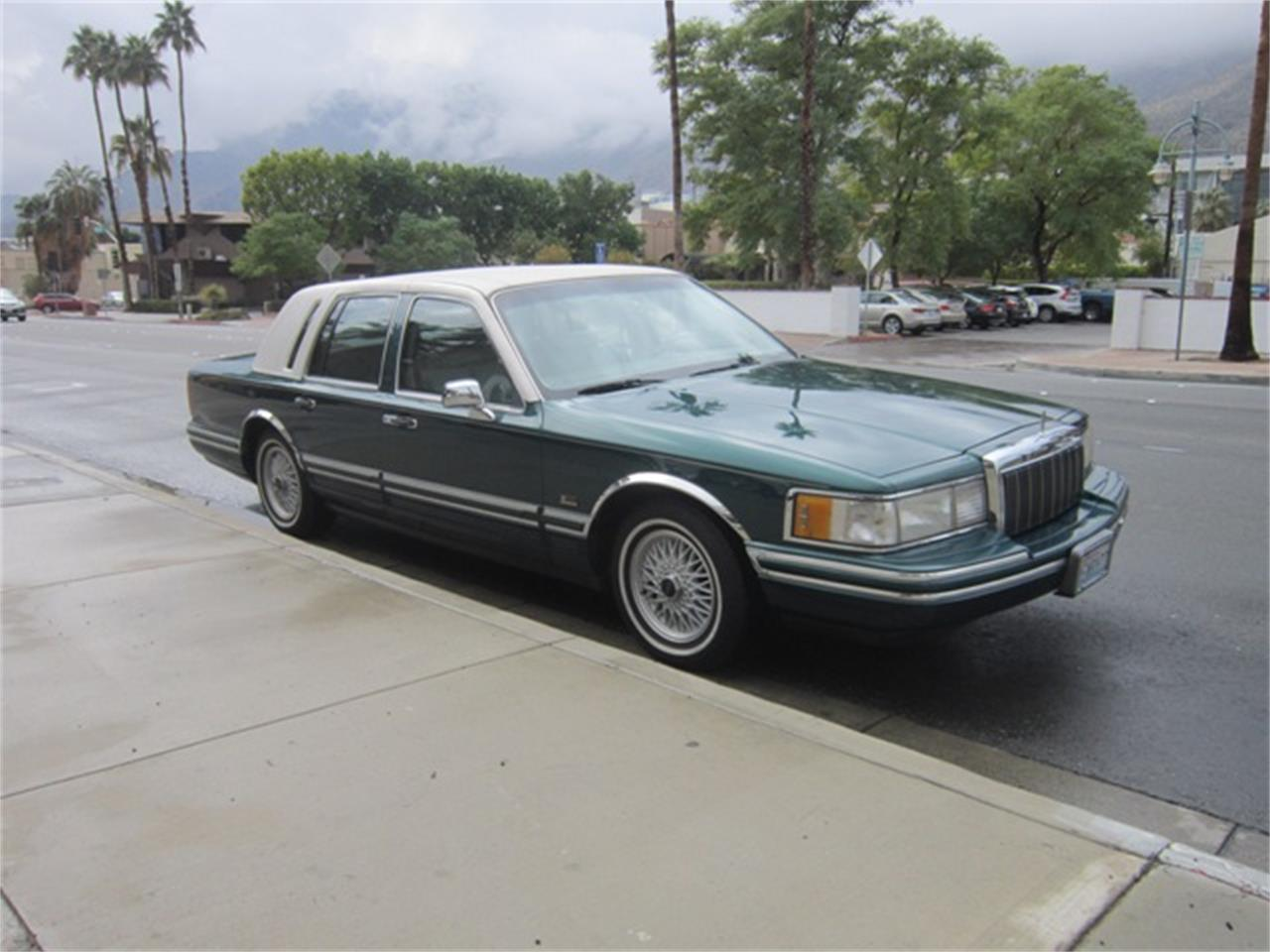 1992 Lincoln Town Car For Sale Classiccars Com Cc 1180977