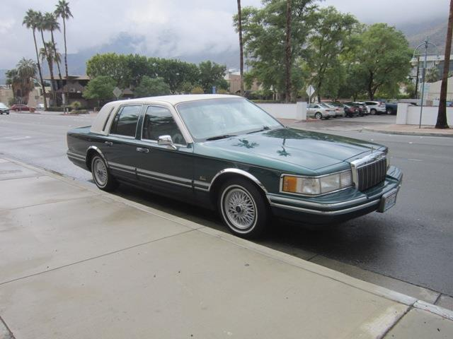 Picture of 1992 Town Car Offered by  - PB8X
