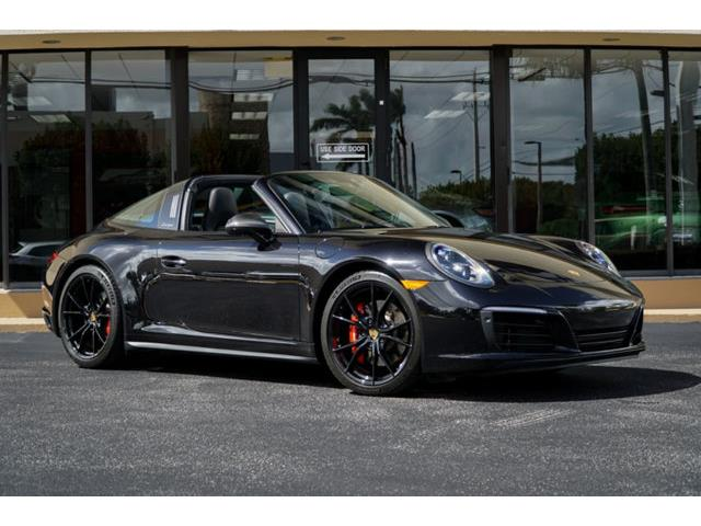 Picture of '19 Porsche 911 located in Florida - PI1O