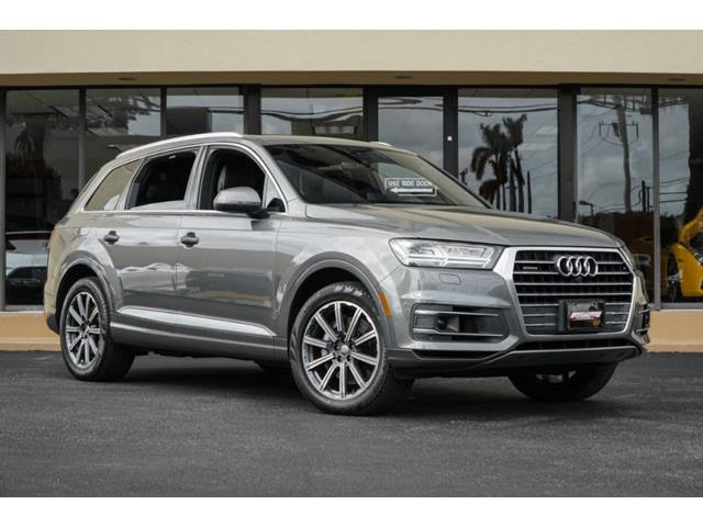 Picture of 2017 Q7 located in Miami Florida Offered by  - PI79