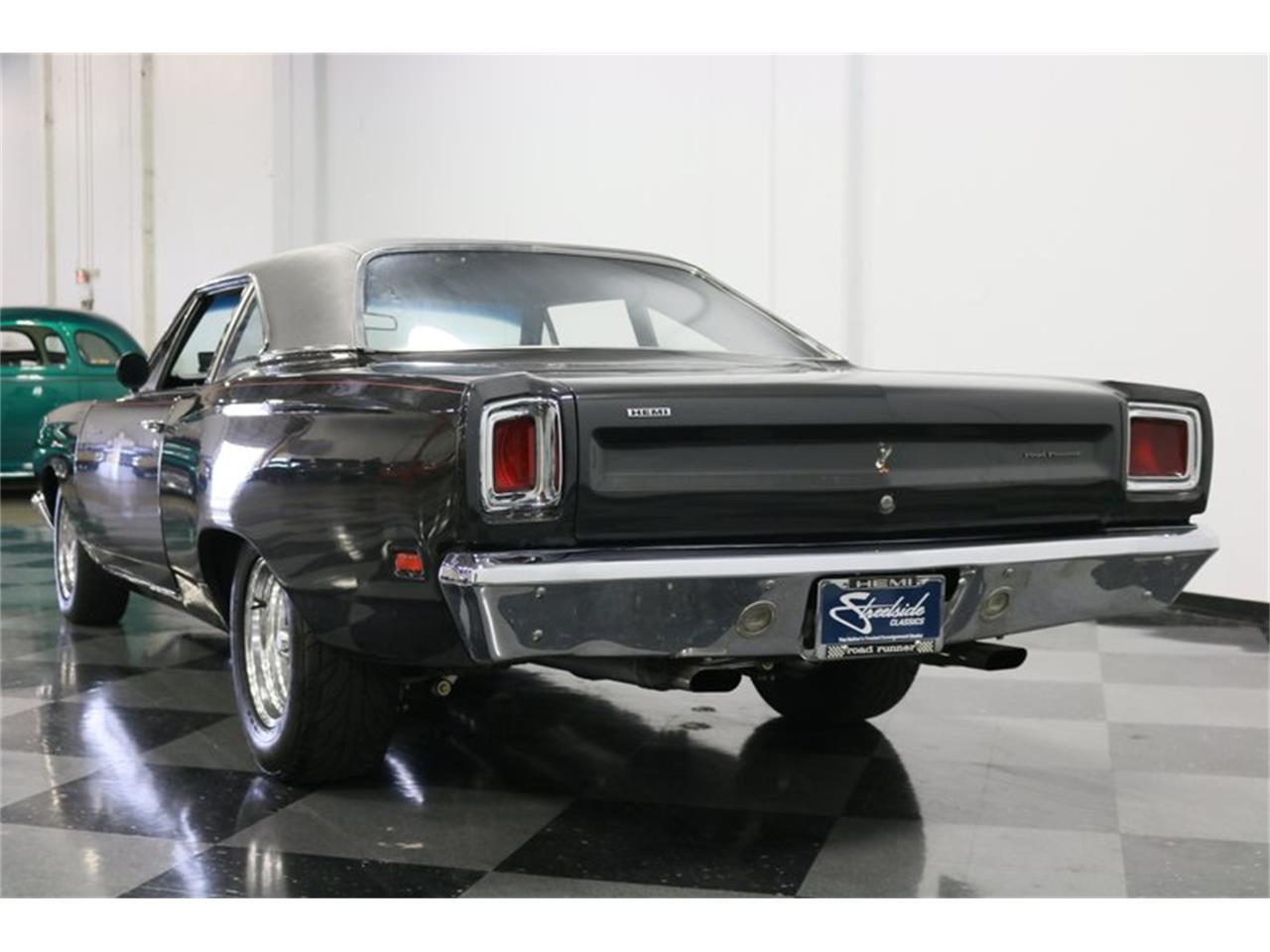 Large Picture of '69 Road Runner - PJ6W