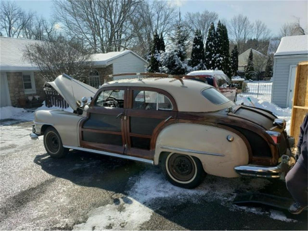 Large Picture of 1947 Chrysler Town & Country located in Cadillac Michigan - $28,995.00 Offered by Classic Car Deals - PJJB