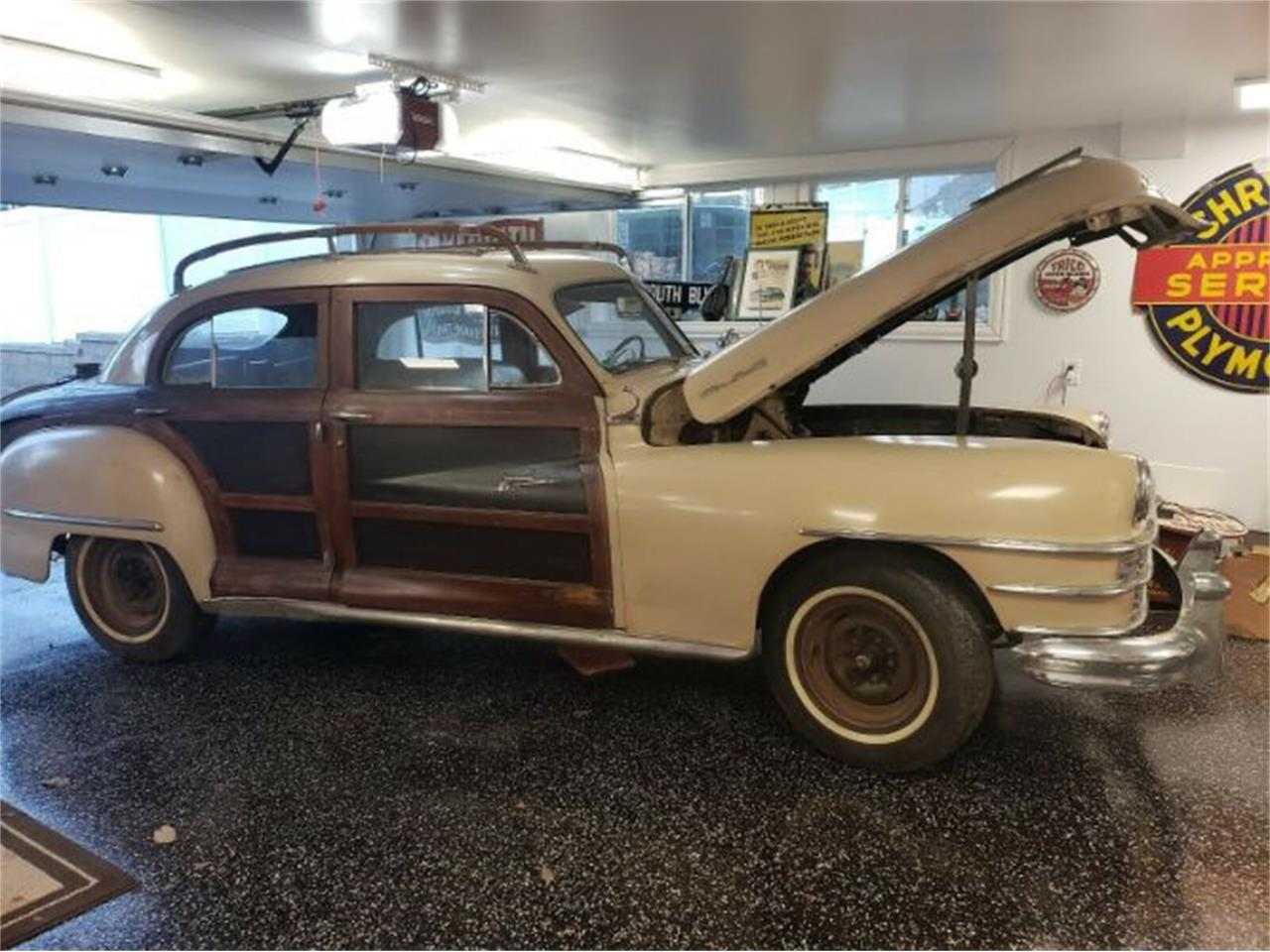 Large Picture of Classic 1947 Chrysler Town & Country located in Michigan - PJJB