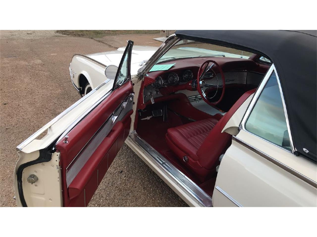 Large Picture of Classic 1962 Thunderbird located in Batesville Mississippi - $39,500.00 Offered by Cotton Warehouse Classic Cars - PJWV