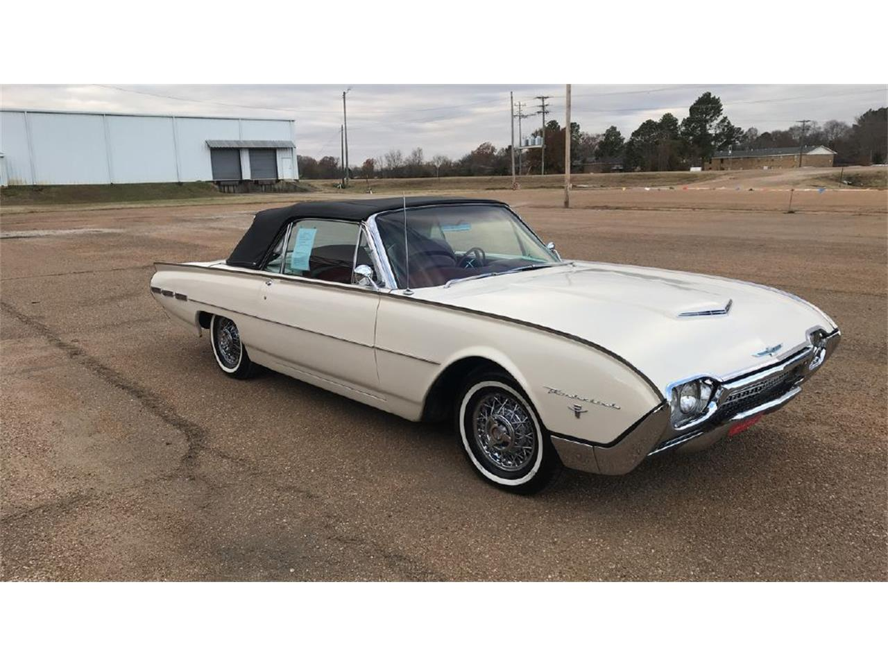 Large Picture of Classic 1962 Ford Thunderbird located in Batesville Mississippi - $39,500.00 Offered by Cotton Warehouse Classic Cars - PJWV