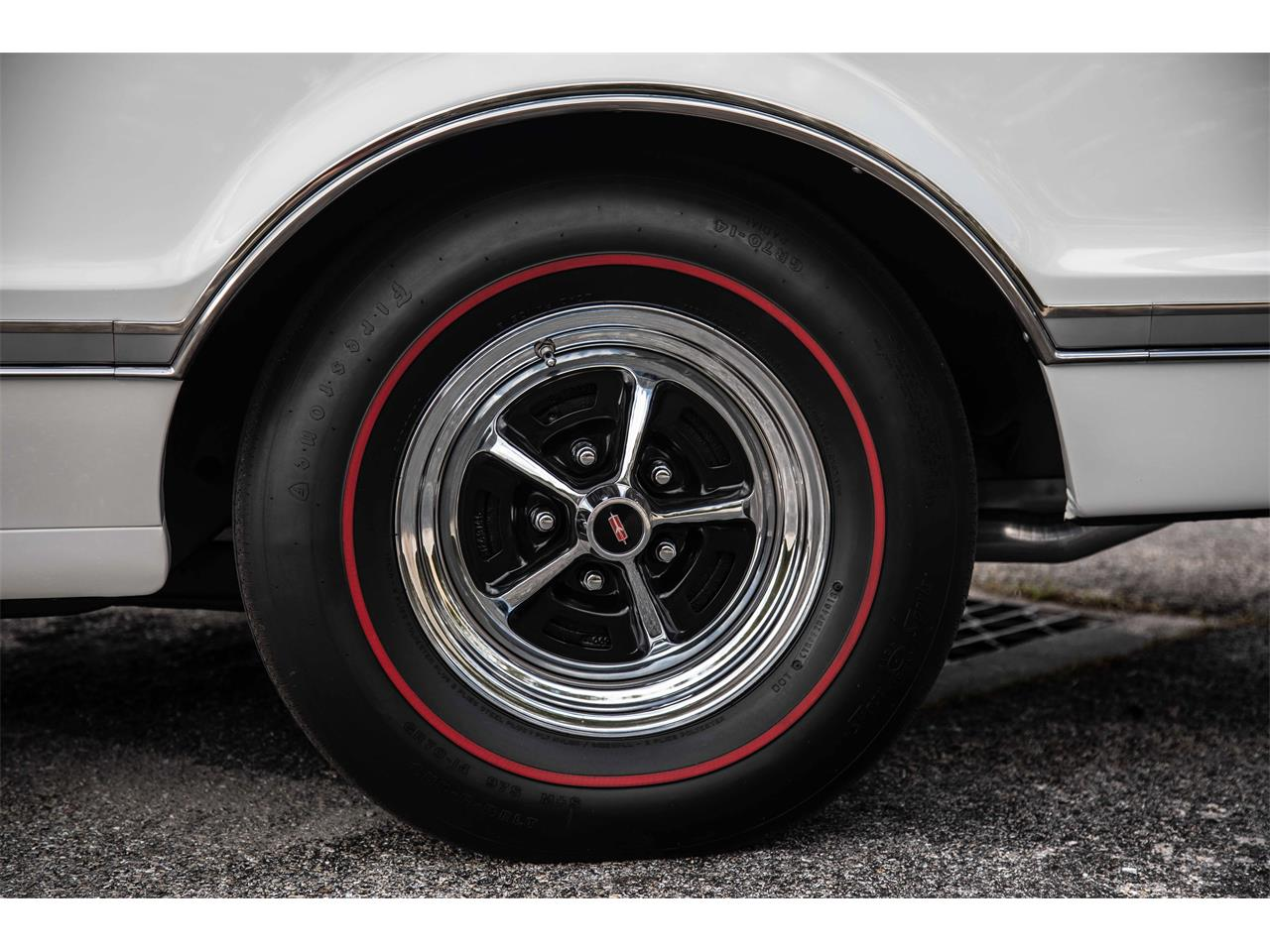 Large Picture of '66 Oldsmobile 442 located in Florida Offered by Exquisite Auto - PIES