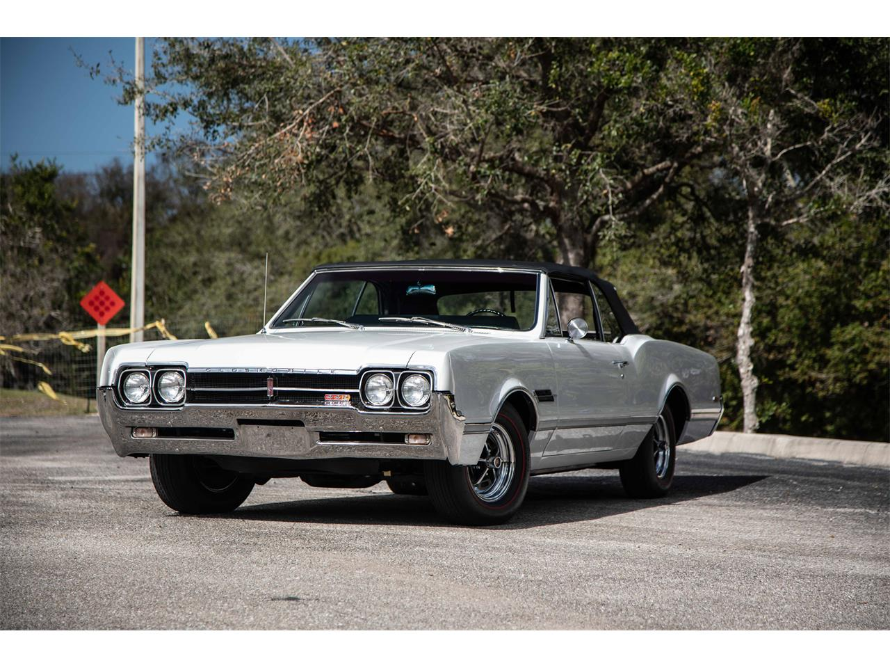 Large Picture of 1966 Oldsmobile 442 located in Florida - $59,900.00 Offered by Exquisite Auto - PIES