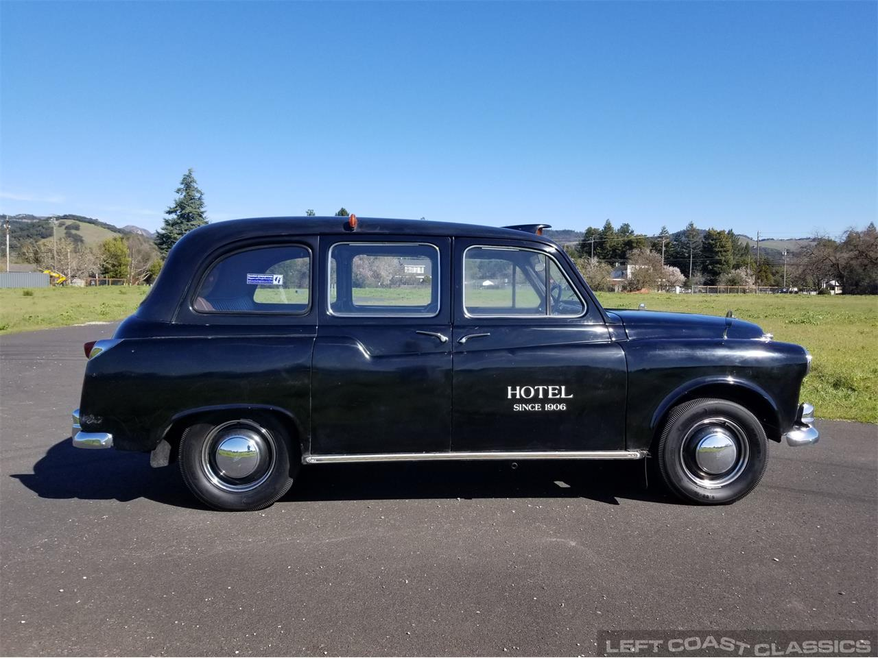 Large Picture of Classic '67 FX4 Taxi Cab - PKBX