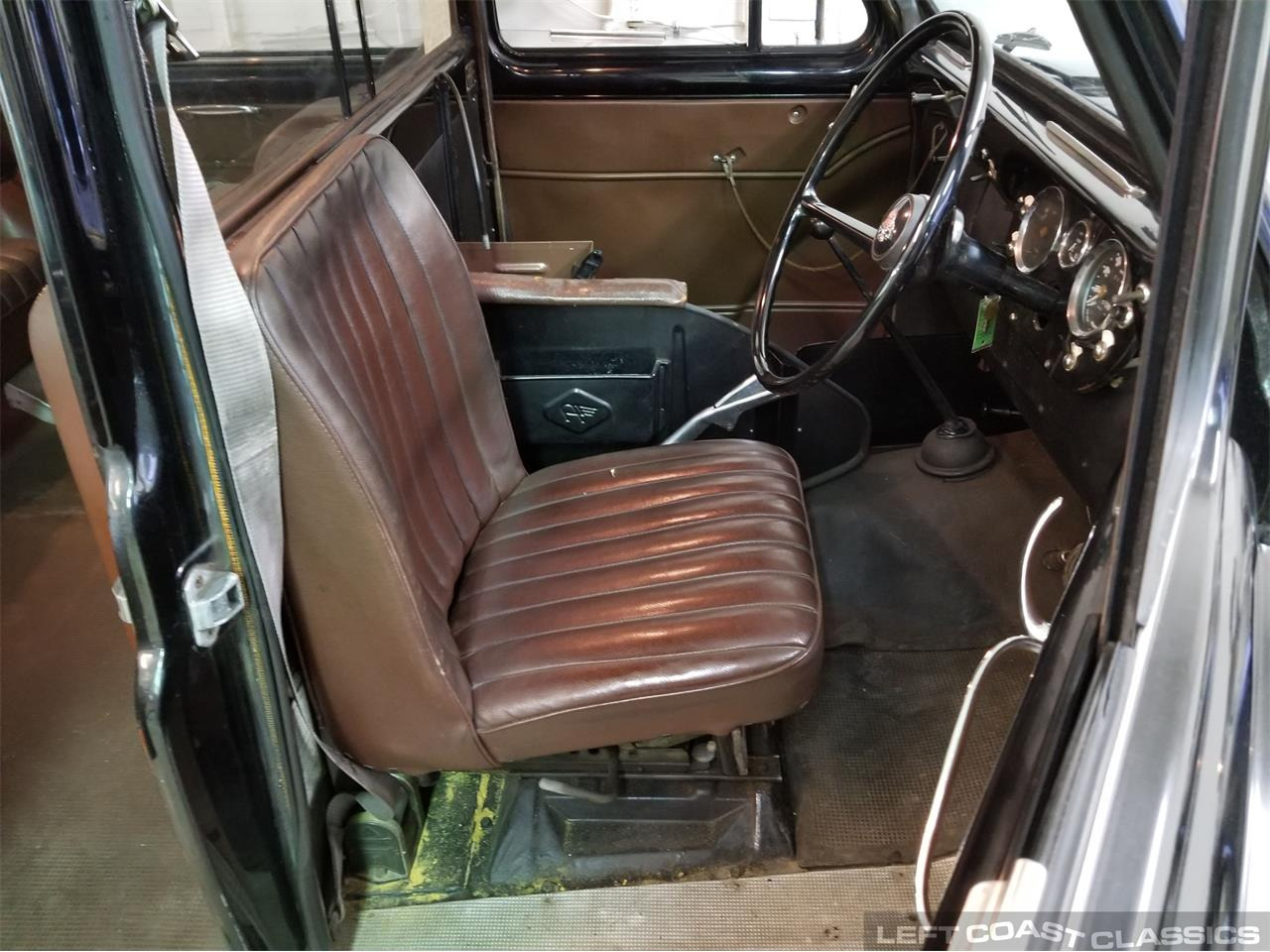 Large Picture of 1967 Austin FX4 Taxi Cab Offered by Left Coast Classics - PKBX