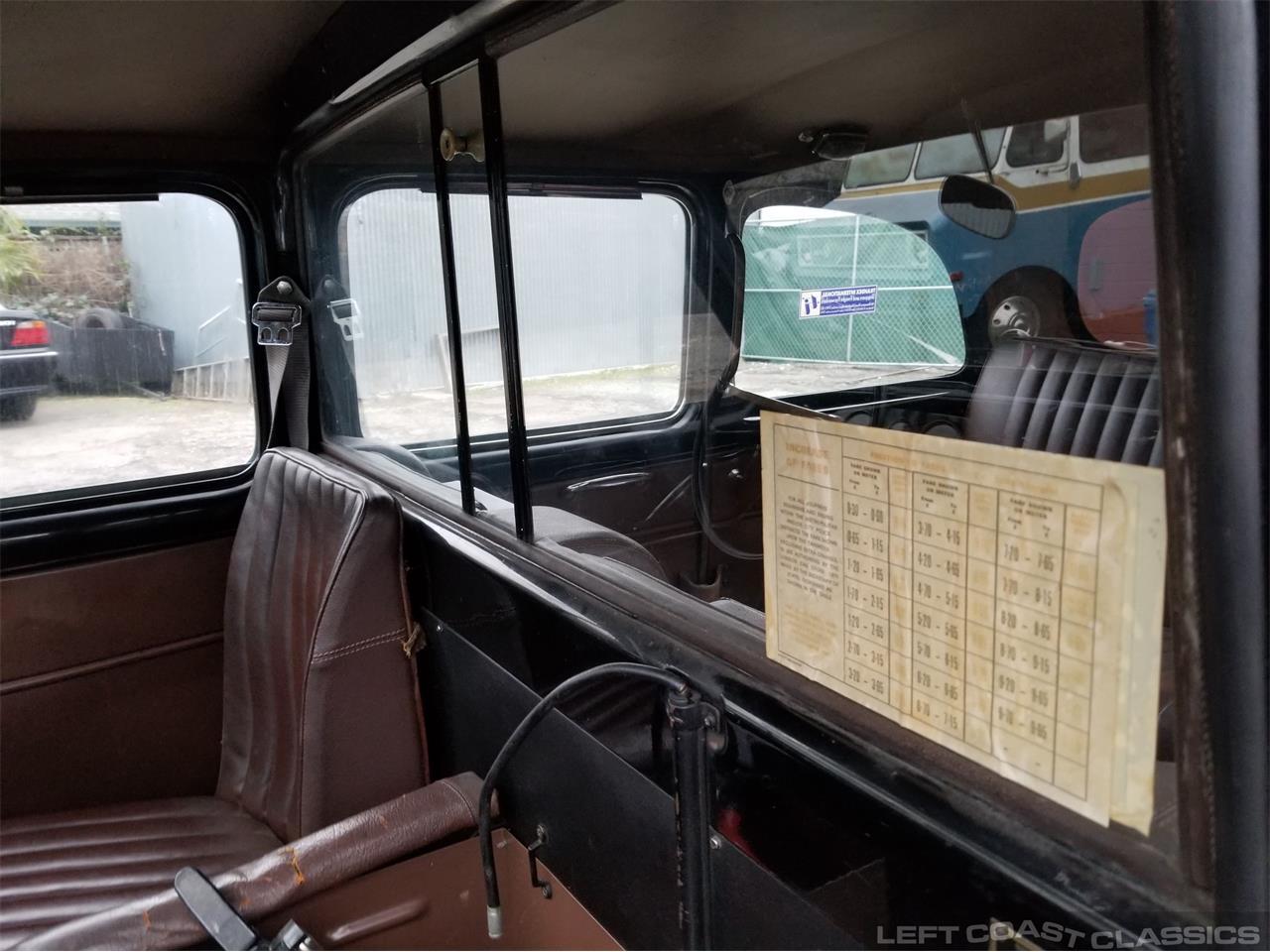Large Picture of Classic '67 Austin FX4 Taxi Cab - $12,500.00 - PKBX