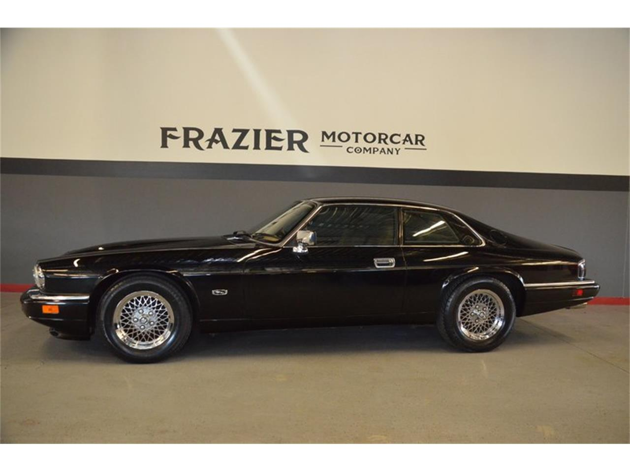 Large Picture of 1994 XJS located in Lebanon Tennessee Offered by Frazier Motor Car Company - PKGA