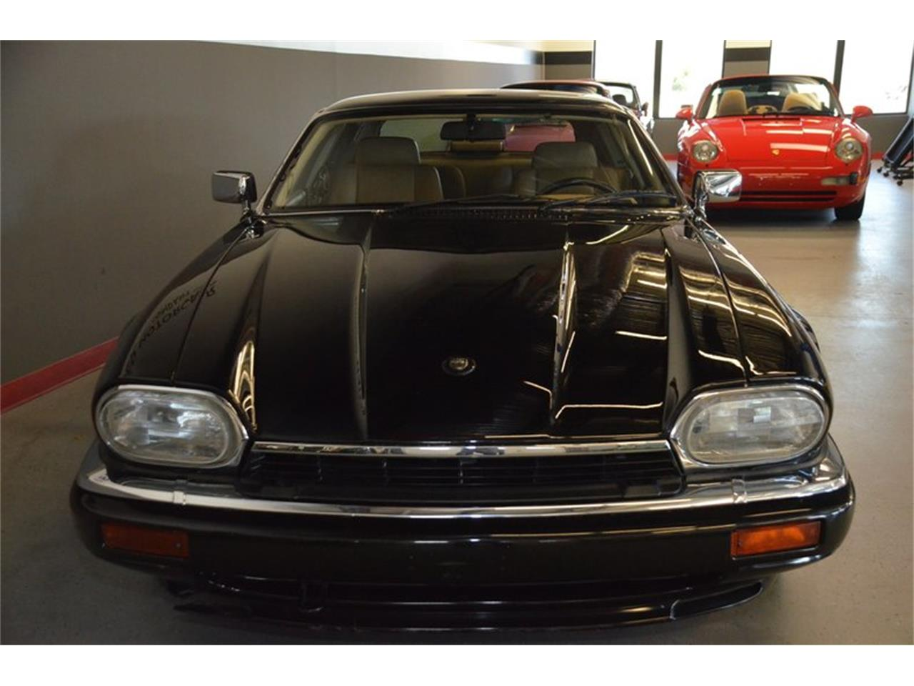 Large Picture of '94 XJS located in Lebanon Tennessee - $15,500.00 Offered by Frazier Motor Car Company - PKGA