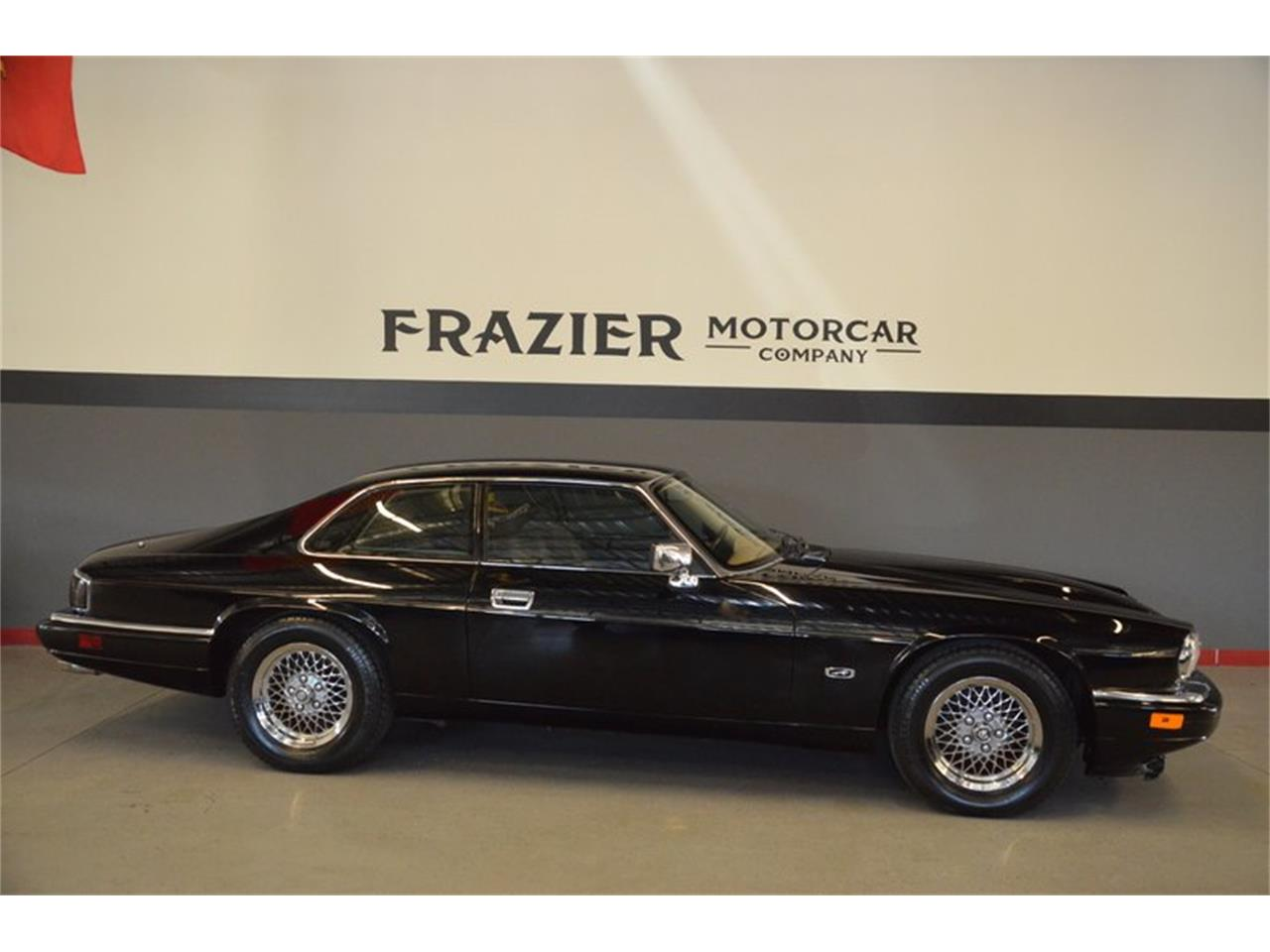 Large Picture of 1994 Jaguar XJS located in Tennessee - PKGA