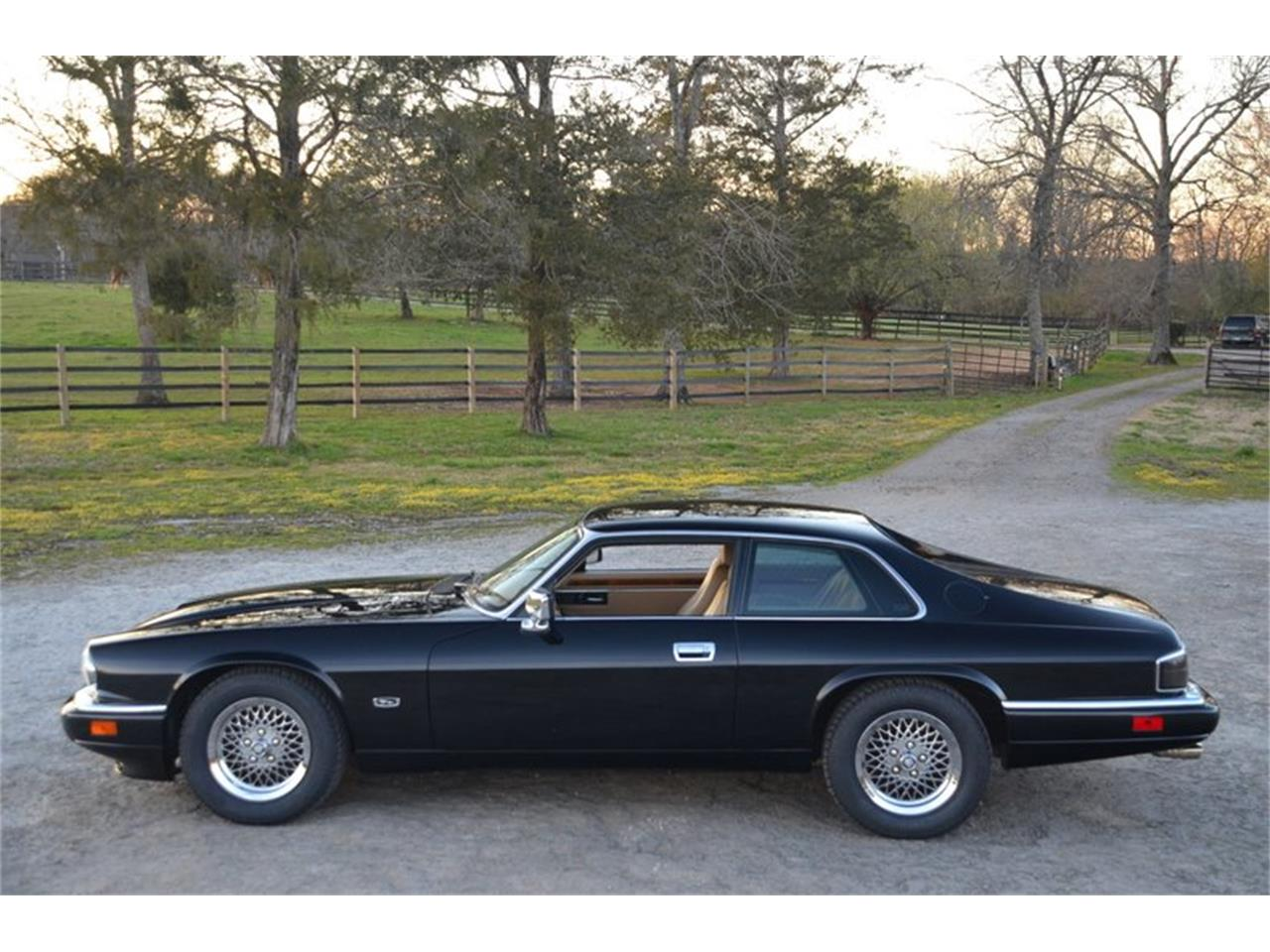 Large Picture of 1994 Jaguar XJS located in Tennessee Offered by Frazier Motor Car Company - PKGA
