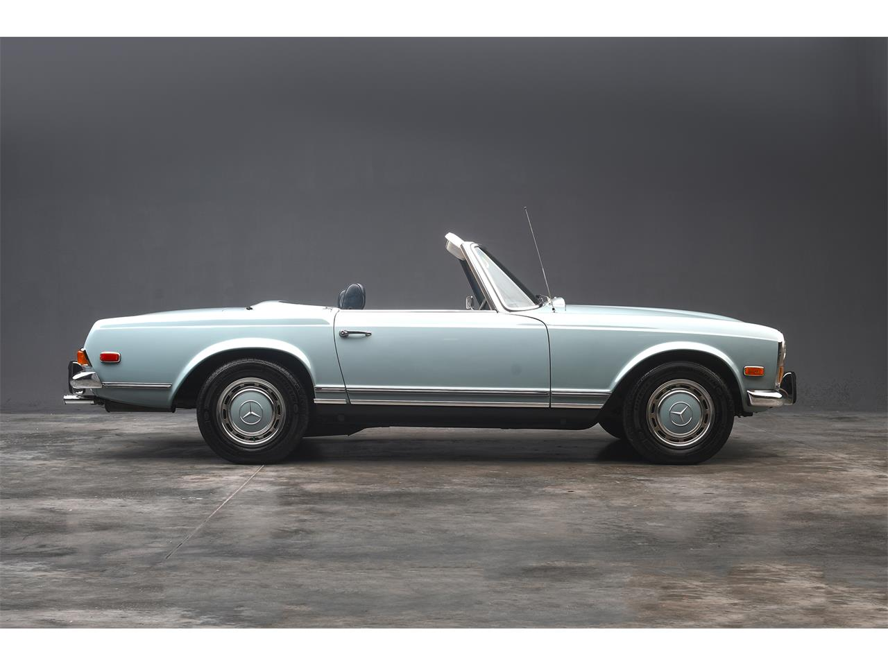 Large Picture of 1970 Mercedes-Benz 280SL located in West Palm Beach Florida - $84,900.00 Offered by a Private Seller - PKH5
