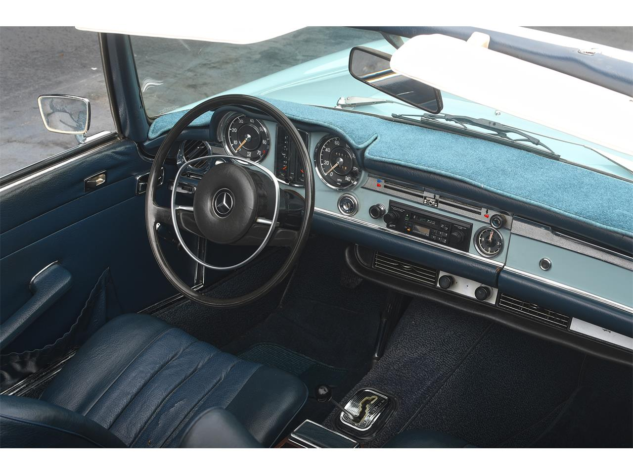 Large Picture of Classic 1970 Mercedes-Benz 280SL - PKH5