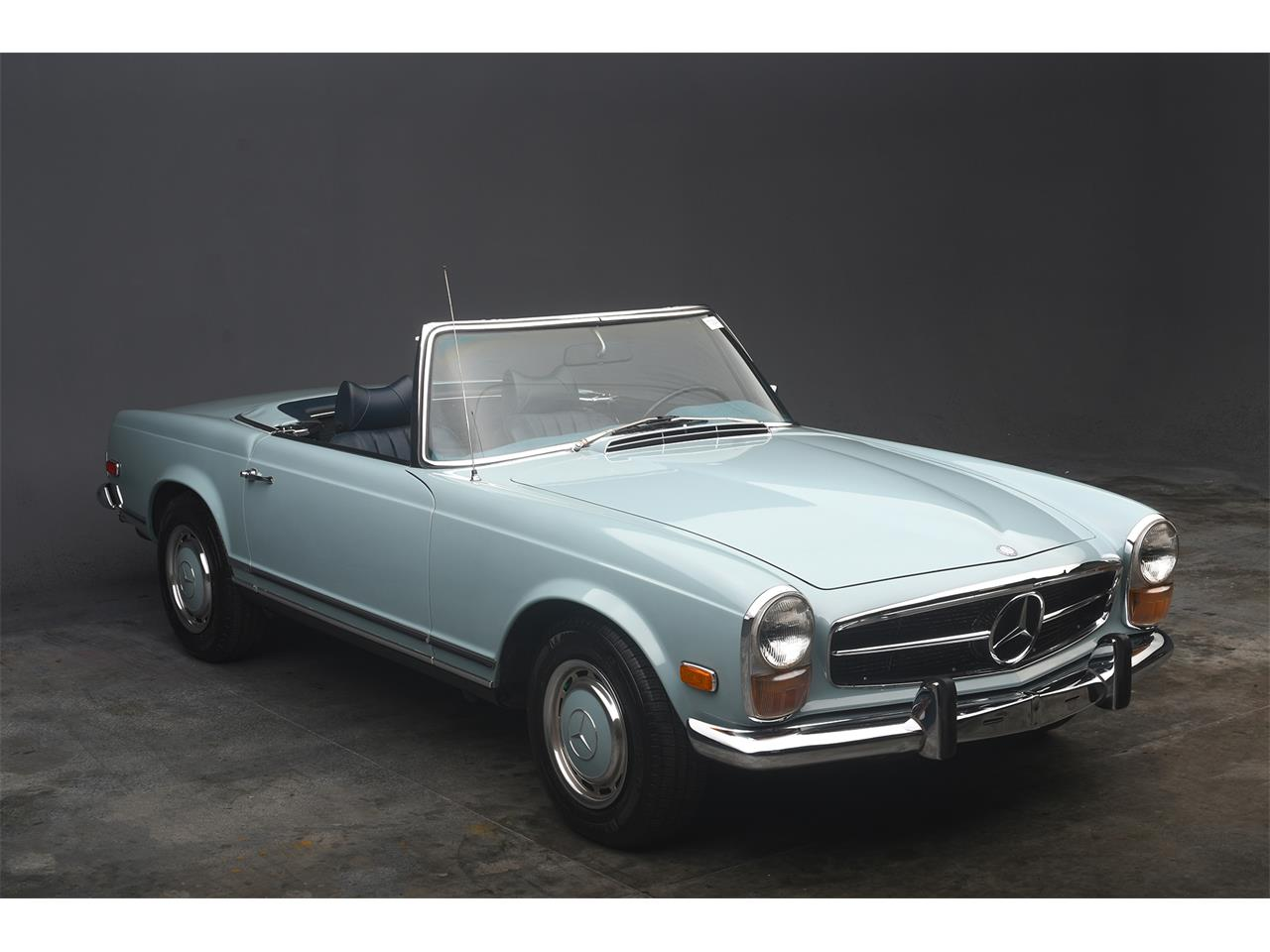 Large Picture of Classic '70 Mercedes-Benz 280SL located in Florida Offered by a Private Seller - PKH5